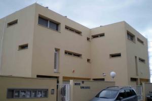 Edificio Casa Alborán. Fachada acceso. (Foto Francisco García Gómez).