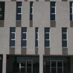 Centro Andaluz de Investigación en Tecnologías Informáticas (CAITI). Detalle de la fachada principal (foto Francisco Rodríguez Marín)