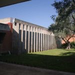 ntigua Universidad Laboral. Patio exterior y reguladores solares (foto Francisco Rodríguez Marín)