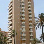 Una de las torres del conjunto de apartamentos Aloha, en Torremolinos (autor: Igor Vera Vallejo).