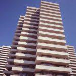 Una de las torres de la urbanización Playamar, fotografía del Estudio Lamela.