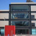 Escuela de Ingenierías de la UMA. Patio interior cubierto desde la fachada lateral Oeste (foto Rodríguez Marín)