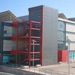 Escuela de Ingenierías de la UMA. Fachada lateral Oeste (foto Rodríguez Marín)