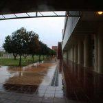 Facultad de Ingeniería en Telecomunicaciones de la UMA. Intercomunicación interior-exterior (foto Rodríguez Marín)
