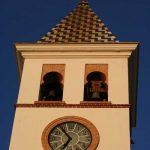 Iglesia Parroquial de Ntra. Sra. de los Dolores (Puerto de la Torre). Detalle de la torre campanario (foto Rodríguez Marín)