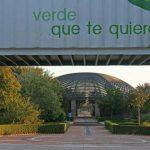 Edificio de usos múltiples del Jardín Botánico de la UMA. Vista del interior del jardín desde la portada (foto Rodríguez Marín)