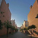 Residencia Universitaria de la UMA. Calle interior entre los blocks residenciales (foto Rodríguez Marín)