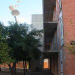 Residencia Universitaria de la UMA. Detalle de la fachada principal de un block residencial (foto Rodríguez Marín)