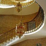 1967. Detalle de las circunferencias mancladas que conforman el pórtico-terraza y de los pilares troncopiramidales invertidos